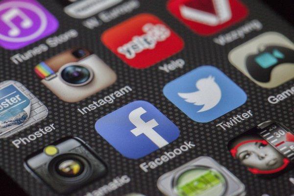 Меньшее внимание к социальным сетям делает человека менее одиноким
