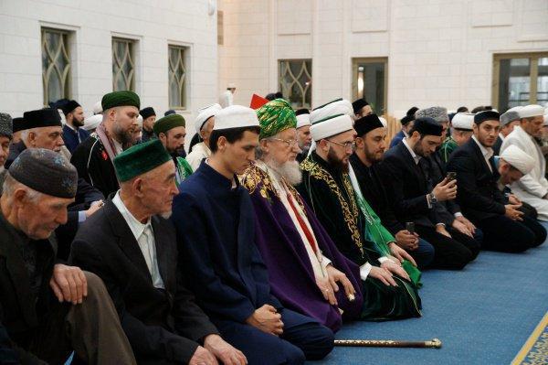 В мероприятии примут участие известные религиозные и государственные деятели.