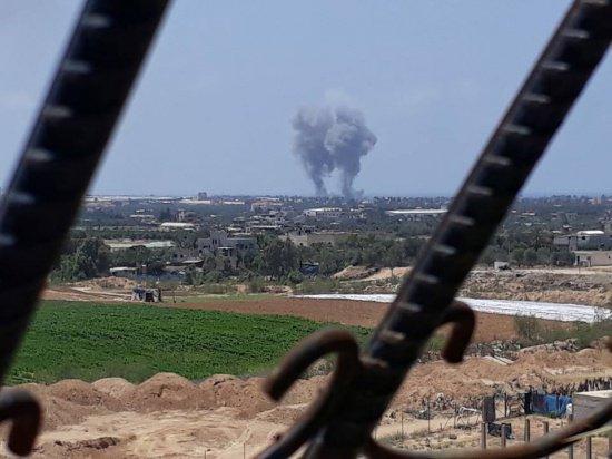 В секторе Газа продолжается противостояние палестинцев и израильтян.