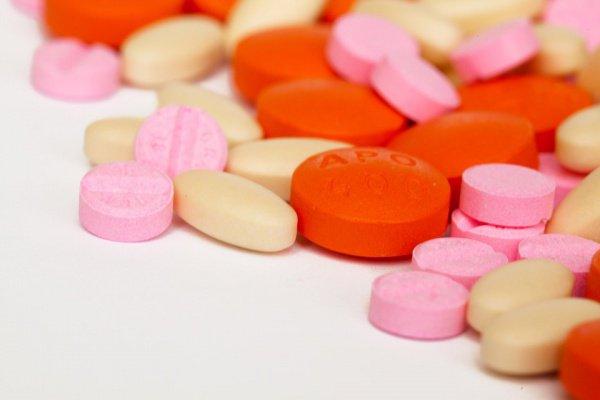Нерегулируемая торговля «содействует чрезмерному и неправильному употреблению подобных лекарств»