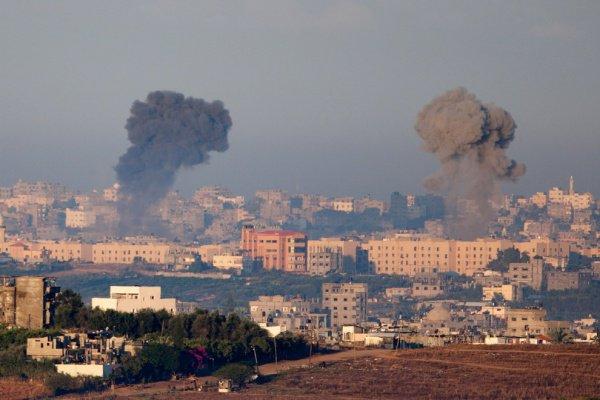 В секторе Газа продолжается обмен ударами между Израилем и Палестиной.