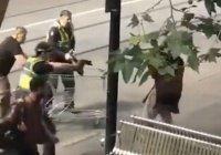 Австралийцы собрали бездомному, остановившему террориста, $100 тыс.