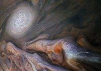 НАСА показало «закрученные» облака на Юпитере (ФОТО)
