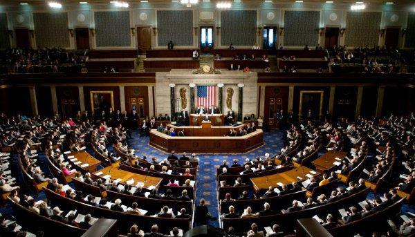 Нешуточные баталии в Конгрессе США.