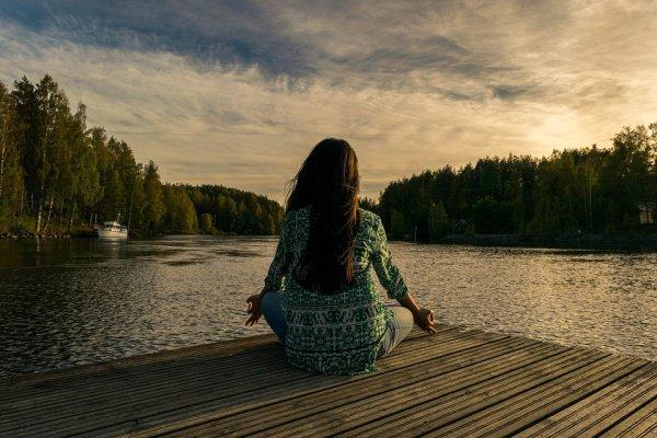 Ежедневные занятия йогой и медитацией по 90 минут помогают только 40% людей