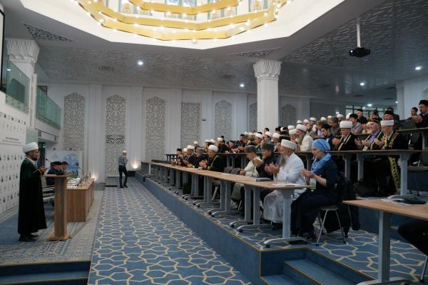 Богословы со всей России съехались в Болгар.