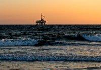 Возле Канады произошла утечка 250 тыс. литров нефти