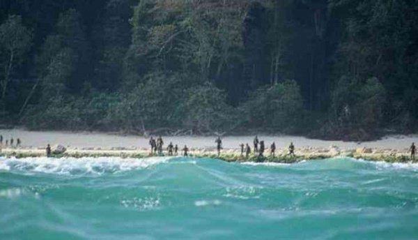 Аборигены дикого племени в Индии избегают контактов с внешним миром.