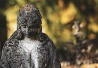 Массовое захоронение женщин нашли в Англии