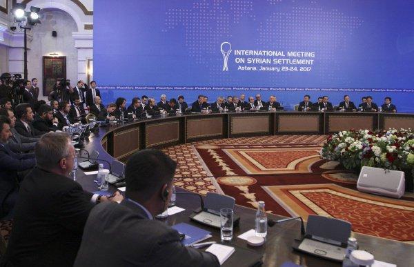 Впервые межсирийские переговоры прошли в Сирии в январе 2017 года.