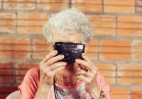 Выяснилось, почему в старости женщины болеют чаще мужчин