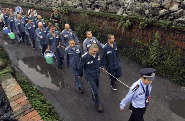 """В """"лагерях перевоспитания"""" в Китае содержатся до 2 млн человек."""