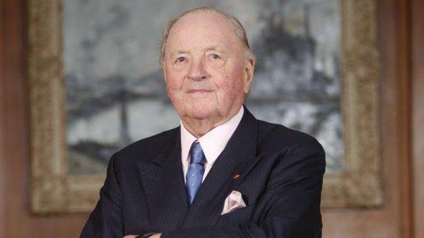 Издание Forbes оценивало состояние Фрера в $5,8 млрд., называя его бизнесменом Европы последней четверти 20-го века