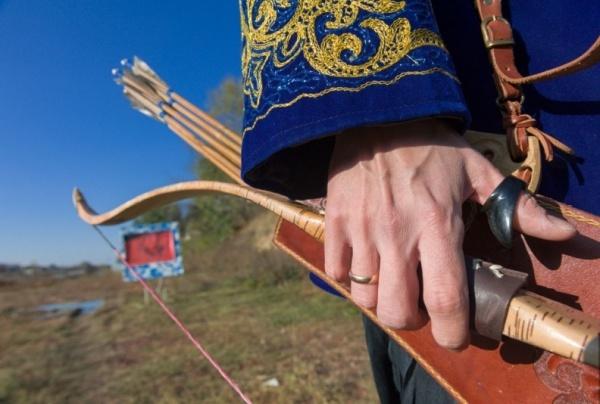 Стрельба из лука - традиционное для тюркского мира искусства.