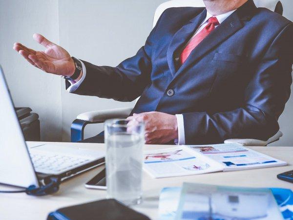 Отношение к руководителю, в основном, улучшается за время совместной работы