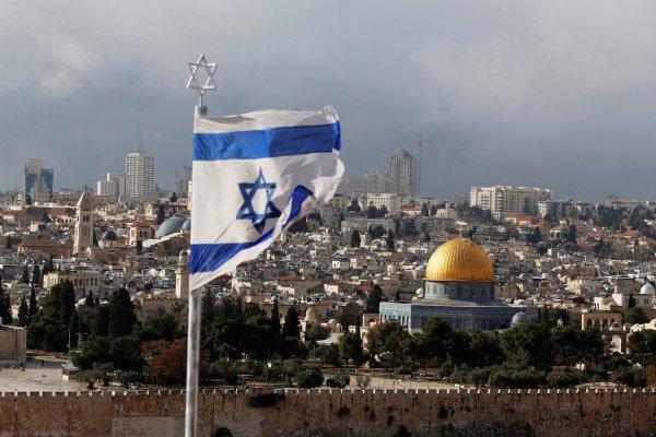 Израиль пытается уговорить десять стран перенести посольство в Иерусалим.