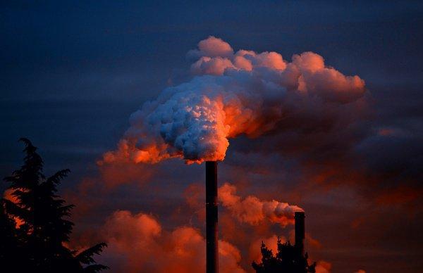 Основной рост выбросов СО₂ фиксировался с 2014 по 2016 годы