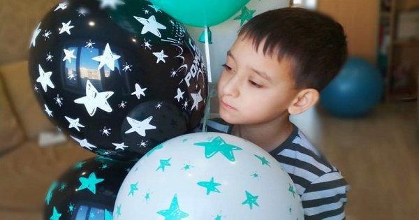 Семье мальчика нужно собрать 60 000 рублей.
