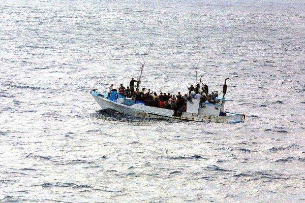 «Для защиты наших граждан значимо вместе бороться с нелегальной миграцией», - заявила Меркель в рамках конференции ООН по миграции