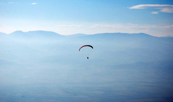 Впервые австралийка надела парашют на свое 100-летие в 2016 году, покорив при этом высоту в 4000 км