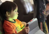 Ученые: Интернет замедляет развитие мозга ребенка