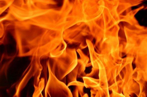 Огонь уничтожил деревянную мечеть.