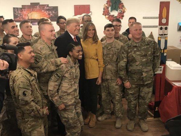 Президент и первая леди США на военной базе в Ираке.