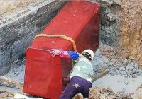 Кирпичный гроб найден на стройплощадке в Китае (ВИДЕО)