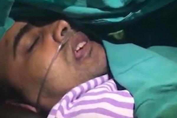 Хоулсмал Джангир во время операции.