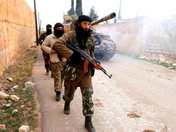 Боевикам удалось захватить более десятка населенных пунктов в Сирии.