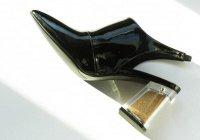 В ОАЭ презентовали каблук для туфель с песком из пустыни