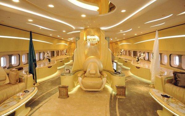 В саудовских аэропортах простаивают порядка 70 бизнес-джетов.