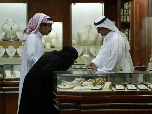 Власти Саудовской Аравии ужесточают правила вступления в брак.