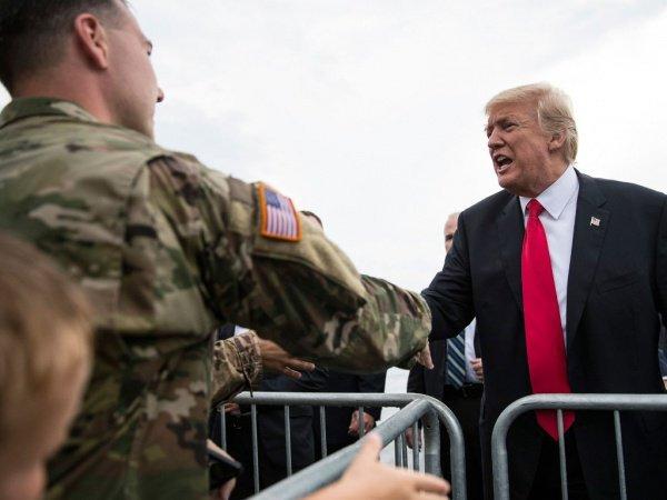 Трампа заподозрили в решении остаться в Сирии.