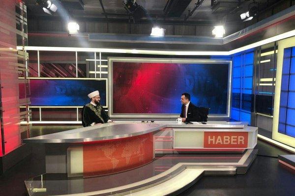 Камиль Самигуллин на одном из государственных телеканалов Турции.