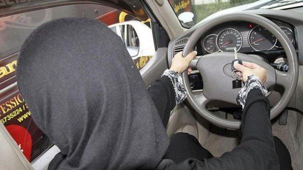 Саудовские женщины получили возможность водить автомобиль.