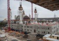 Открытие главной мечети Крыма откладывается