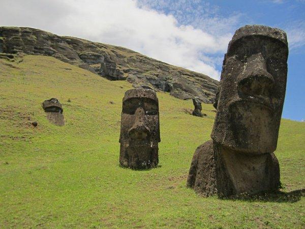 Предполагается, что аборигены сделали статуи из вулканических пород в 1250-1500 годах