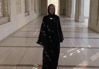 Популярная российская телеведущая облачилась в мусульманский наряд