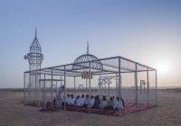 Мечеть, похожая на клетку, вызвала споры в Саудовской Аравии