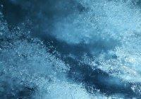 Крутящаяся ледяная «луна» стала достопримечательностью в США (ВИДЕО)