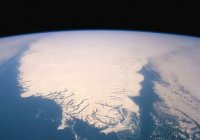 В Гренландии обнаружен громадный кратер