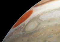 Аппарат Juno запечатлел штормовую часть Юпитера (ФОТО)