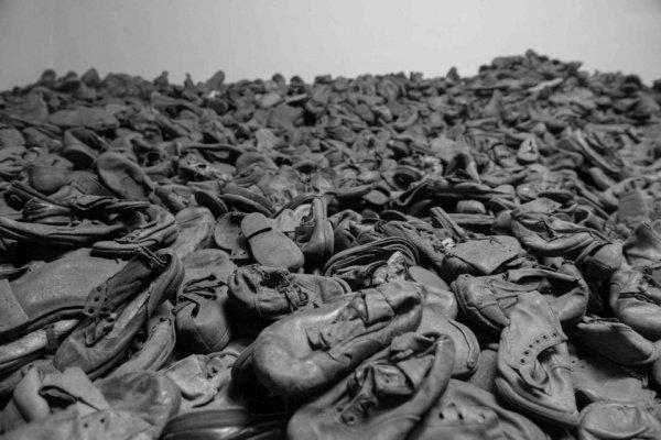 От рук нацистов погибли миллионы евреев.
