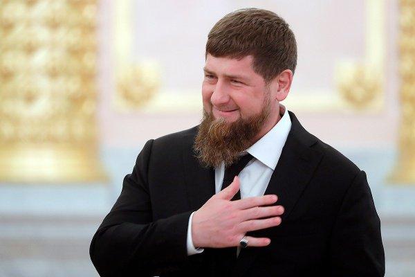 Рамзан Кадыров объявил о повышении зарплат медиков.