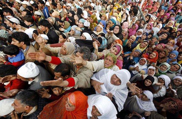 В арабских странах - всплеск безработицы.
