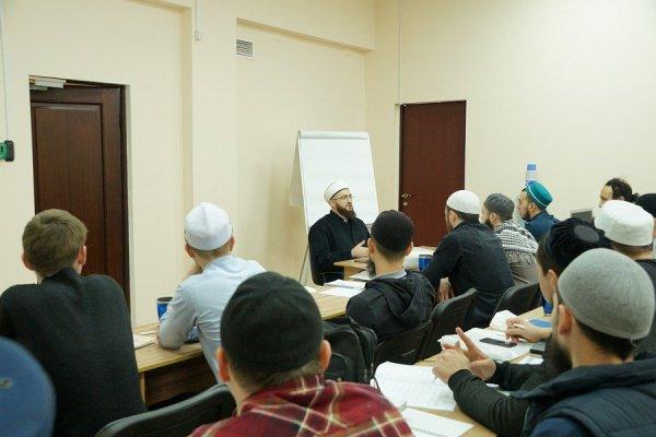 Муфтий встретился с молодыми мусульманами.