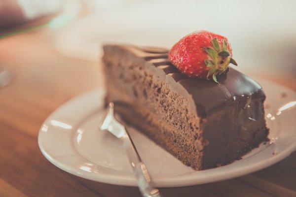 Семья собирает необходимую сумму в 50 тыс. фунтов стерлингов (4,3 млн. рублей), чтобы исполнить главную мечту ребенка — попробовать торт