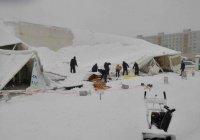 Шатер Рамадана на территории мечети «Ярдэм» рухнул от снега