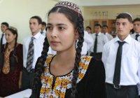 Студентам в Туркменистане запретили мобильные телефоны